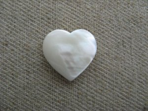 画像1: Vintage Mother of Pearl Heart Drop 【Mini】