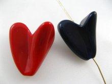 他の写真2: Vintage Plastic Irregular Heart Beads